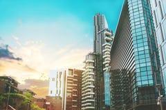 Красивое multi покрашенное тонизированное изображение небоскребов милана Стоковые Изображения RF