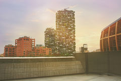 Красивое multi покрашенное тонизированное изображение небоскребов милана Стоковые Изображения