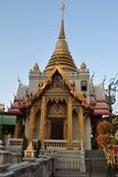 Красивое wat stupa золота samien висок Таиланд Бангкока nari Стоковое Изображение RF