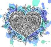 Красивой сердце нарисованное рукой богато украшенное в стиле zentangle с подняло f Стоковое Изображение RF