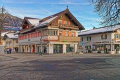 Красиво украшенные дома Garmisch-Partenkirchen стоковые фото