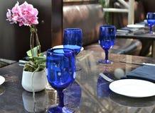 Красиво украшенный комплект таблицы стоковая фотография rf