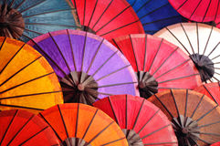 Красивые бумажные зонтики Стоковые Фотографии RF