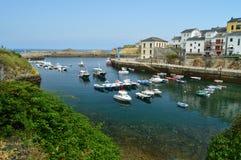 Красивые виды рыбного порта Tapia De Casariego Природа, перемещение, воссоздание стоковое фото rf