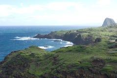 Красивые виды северного побережья Мауи, принятые от известной извилистой дороги к Гане Мауи, Гавайи Стоковое фото RF