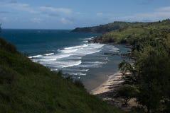 Красивые виды северного побережья Мауи, принятые от известной извилистой дороги к Гане Мауи, Гавайи Стоковые Фотографии RF