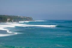 Красивые волны настроенные в Bukit, Бали Стоковая Фотография
