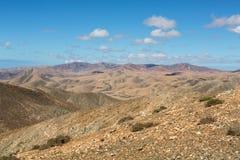 Красивые вулканические горы на Фуэртевентуре Стоковые Изображения RF
