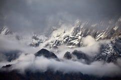 Красивые гималайские горы стоковое фото rf