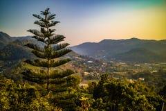 Красивые горные виды на оправе Mae, Чиангмае, северном Таиланде Стоковое фото RF