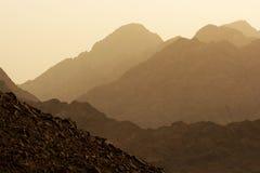 Красивые горы пустыни Египта на заходе солнца Стоковая Фотография RF