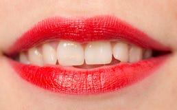 Красивые губы с красной губной помадой Стоковая Фотография