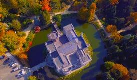 Красивые дворцы в середине леса - естественное воздушно- место больше чем чудесное - красивая северная Польша 2019 стоковое изображение rf