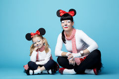 Красивые девушки с масками мыши Стоковое Изображение