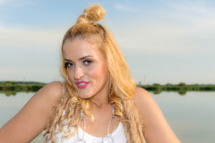 Красивые женщины на побережье Стоковые Фото