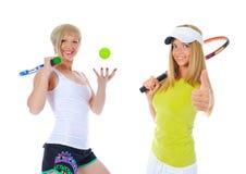 Красивые женщины с ракеткой тенниса Стоковые Изображения