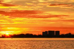 Красивые заходы солнца на острове Labuan Стоковые Изображения