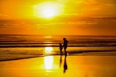 Красивые заходы солнца Playa el Cuco, Сальвадора Стоковые Изображения RF