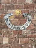 Красивые исторические солнечные часы Стоковые Фотографии RF