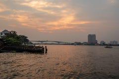 Красивые и очаровательные взгляды реки стоковая фотография rf