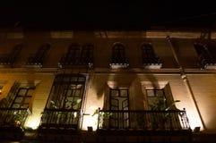 Красивые квартиры с балконами и большое Windows в Севилье Стоковые Фото