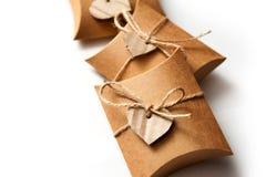 Красивые коробки для подарков на белой предпосылке Стоковые Изображения
