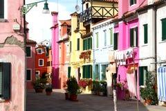 Красивые красочные дома на острове BURANO около Венеции Стоковая Фотография RF
