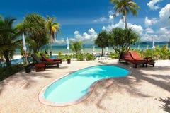 красивые курорт и пляж Стоковые Фотографии RF