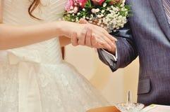 Красивые молодые пары свадьбы стоковое фото rf
