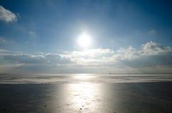 Красивые небо и облака над морем Азова Стоковое Фото
