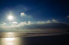 Красивые небо и облака над морем Азова Стоковая Фотография RF