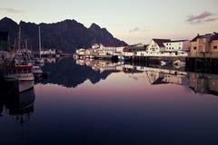 Красивые норвежские отражения гавани Стоковые Изображения