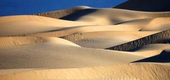 Красивые образования песчанной дюны в Death Valley Калифорнии Стоковая Фотография RF