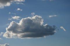 Красивые облака в небе лета стоковое фото rf