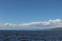 Красивые озера и горы на Лаке Таюое стоковое изображение