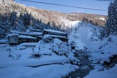 Красивые озеро и moutain в зиме стоковое изображение