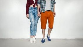 Красивые пары готовя стену Стоковые Фотографии RF