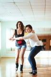 Красивые пары профессиональных художников танцуя запальчиво danc Стоковое Изображение