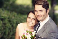 Красивые пары свадьбы наслаждаясь wedding стоковое изображение rf