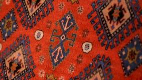 Красивые покрашенные handmade ковры, традиции и культура Signahi Georgia сток-видео