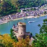 Красивые романтичные замки реки Rhein взгляд замка a Katz Стоковая Фотография RF