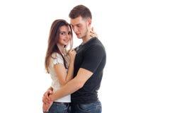 Красивые романтичные пары стоят совместно и обнимают Стоковые Изображения RF