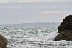 Красивые скалы сделанные сердитым океаном Стоковые Фото