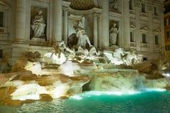 Красивые фонтаны Trevi в городе Рима - Фонтаны di Trevi стоковые изображения rf