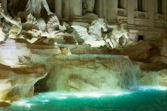Красивые фонтаны Trevi в городе Рима - Фонтаны di Trevi стоковые фотографии rf
