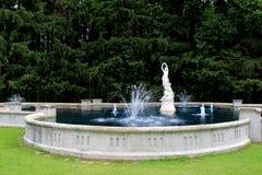 Красивые фонтан и статуи, сады Yaddo, Saratoga Springs, Нью-Йорк, 2014 Стоковые Фото