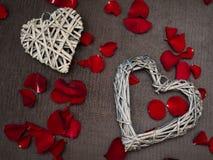 Красивые формы сердца деревянного weave стоковое изображение rf