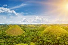 Красивые холмы шоколада в Bohol, Филиппинах стоковое фото