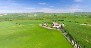 Красивые цвета Тосканы, сезон вида с воздуха весной Стоковая Фотография RF