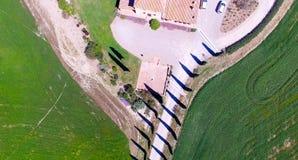 Красивые цвета Тосканы, сезон вида с воздуха весной Стоковые Фото